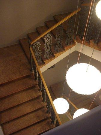 Casati Budapest Hotel: Le scale