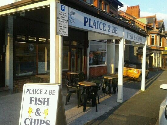 Plaice 2 Be: Nice outdoir seating area for when we have those sunny days. Excellent