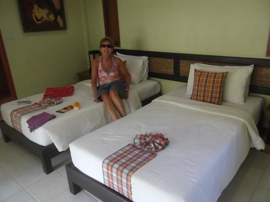 The Lipa Lovely Beach Resort: Our room