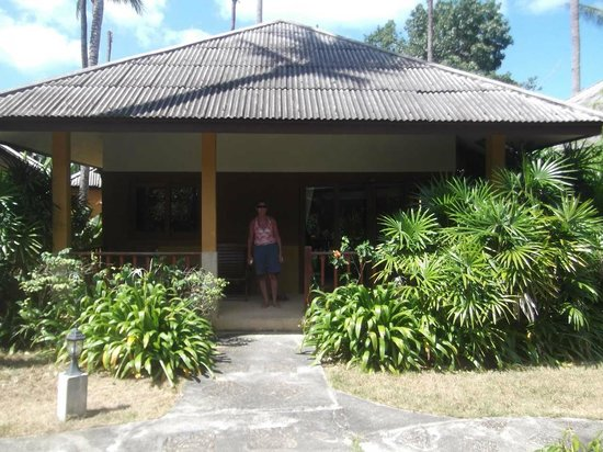 The Lipa Lovely Beach Resort: Our bungalow