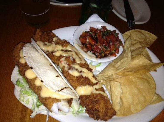Yahoola Creek Grill: Grouper Tacos (they were huge)