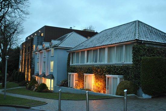 Ballyroe Heights Hotel: vue d ensemble des batiments chambres
