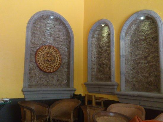 El Patio Tlaquepaque: decoración