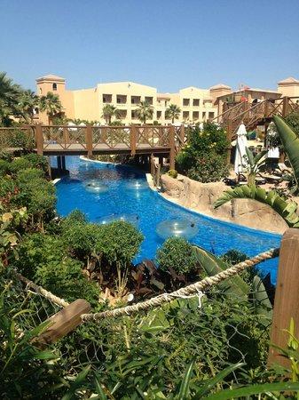 Coral Sea Aqua Club Resort: excellent lazy river
