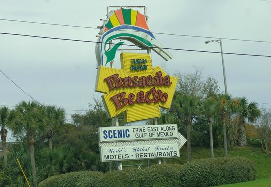 Holiday Inn Resort Pensacola Beach: Welcome sign