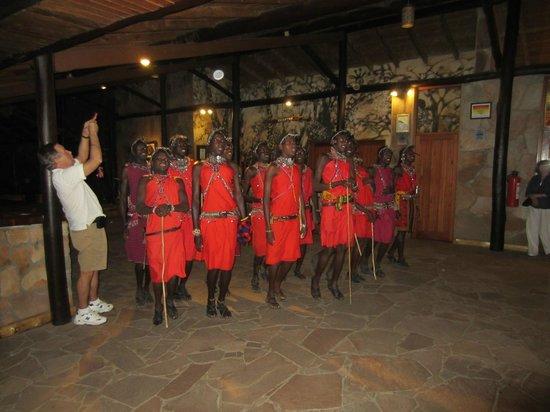 Sarova Mara Game Camp: Maasai dance show