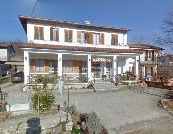 Vernasca, Italie: Vista del locale dalla via
