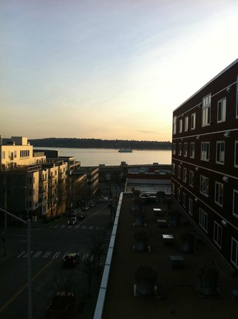 Inn at El Gaucho: Sunset over Elliott Bay
