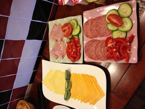 ذا رايز: Breakfast buffet