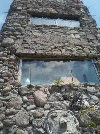 Erindell Villa Guest House: Fyah's 'volcanic' house