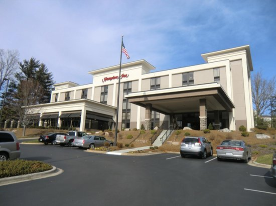 Hampton Inn Asheville - Tunnel Road: Aussenansicht Vorderseite