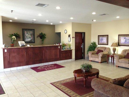 Lea County Inn : Front Lobby