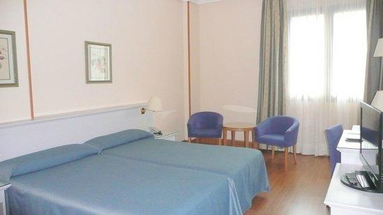 Hotel Monte Puertatierra: Chambre 305