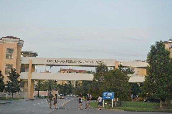 Orlando Premium Outlets - Vineland Avenue: | Orlando Premium Outlets + Parking |