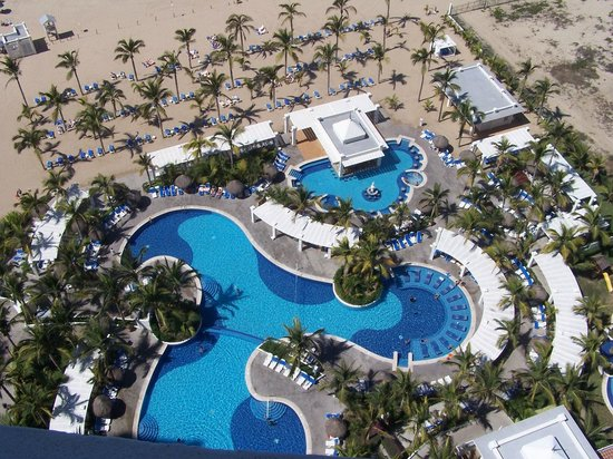 Hotel Riu Emerald Bay: View from the 21st floor Jacuzzi suite