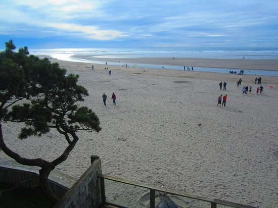 Land's End at Cannon Beach: view from the living/ dining area