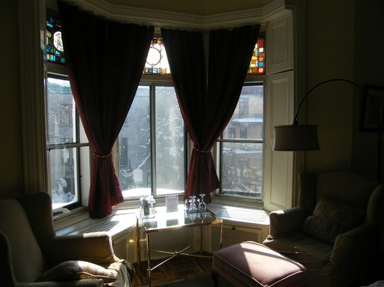 Gingerbread Manor Bed & Breakfast: chambre Frontenac