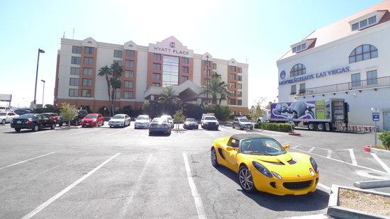 Hyatt Place Las Vegas: This Close To Hofbrauhaus