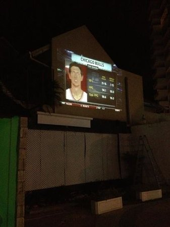 The Twisted Kilt Lounge: Outdoor tv