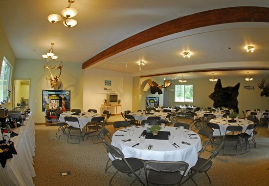 All Alaska Outdoors Lodge: Conference and Dining center
