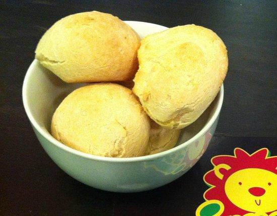 Jungle Juice: Brazilian cheese bread (pão de queijo)