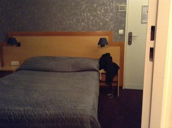 Hotel du Chemin vert Paris: depuis la salle de bain