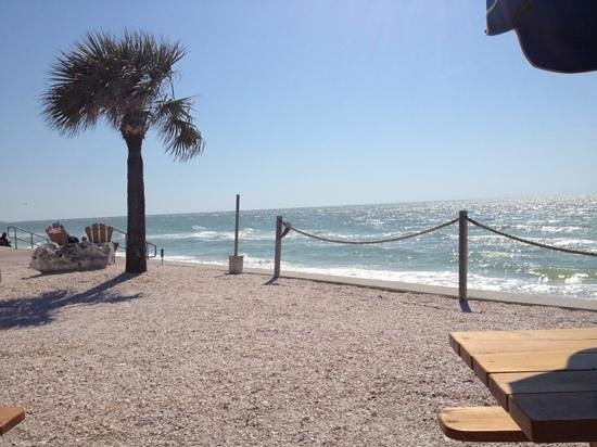Paradise Grille : a bit windy but gorgeous day