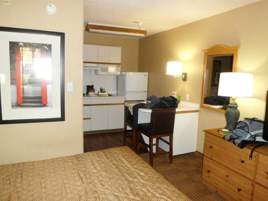 Extended Stay America - Charlotte - Airport : Pic of room from inside the door