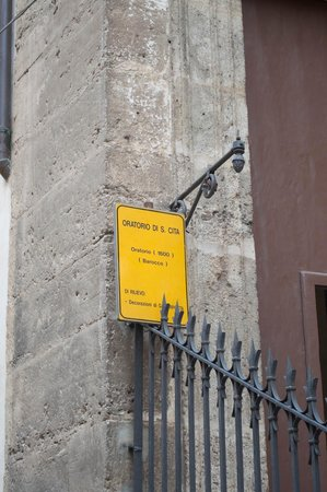 Oratorio di Santa Cita : Sign from Street