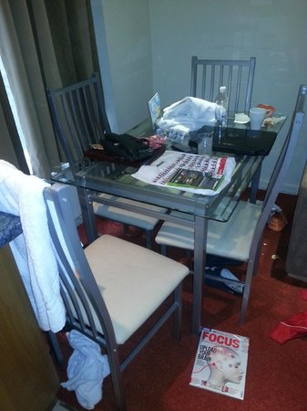 Grand Plaza Serviced Apartments: so called dining table for 6