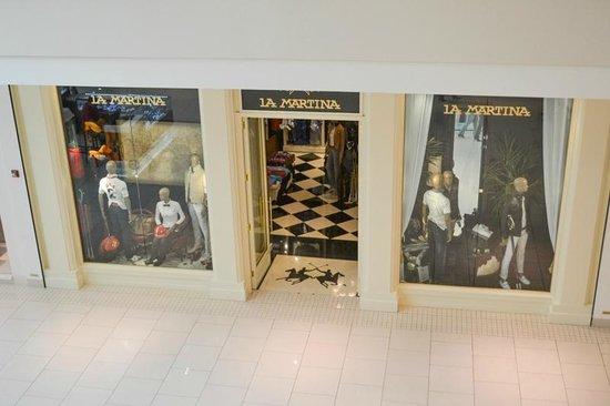 | Aventura Mall | La Martina |