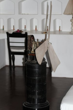 Lunuganga: Guest room