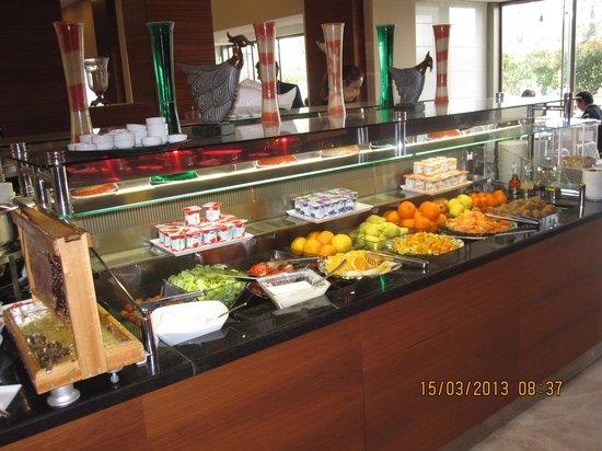 Hilton Garden Inn Sanliurfa: Breakfast buffet (some of it)