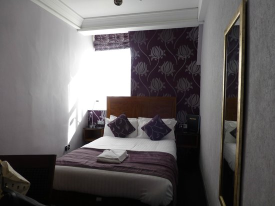 Royal British Hotel: renovated double room