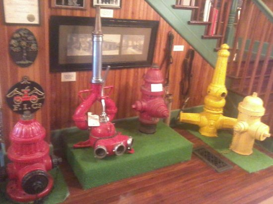 The Jacksonville Fire Museum : old fire hydrants