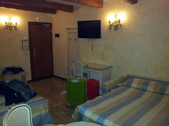 Hotel Mercurio Venezia: Mercurio  Hab. triple num.64