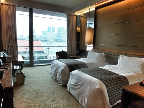 The Fullerton Bay Hotel Singapore: Our room