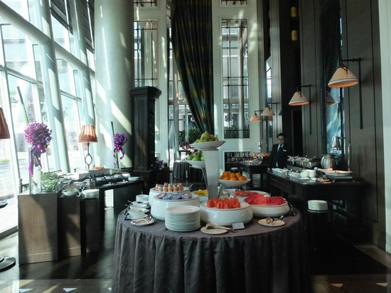 The Fullerton Bay Hotel Singapore: Clifford Buffet Breakfast