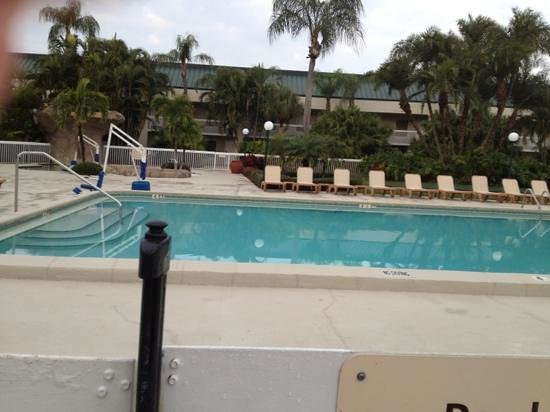 Hampton Inn Clearwater Central: pool area