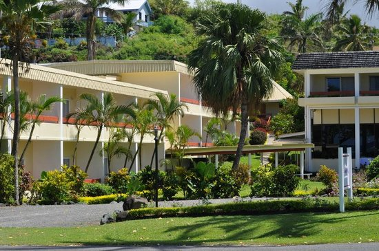 Bedarra Beach Inn: Hotel and grounds