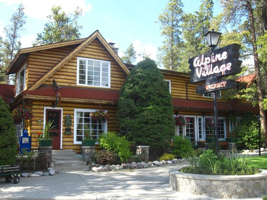 Alpine Village Cabin Resort - Jasper: beautiful and quaint