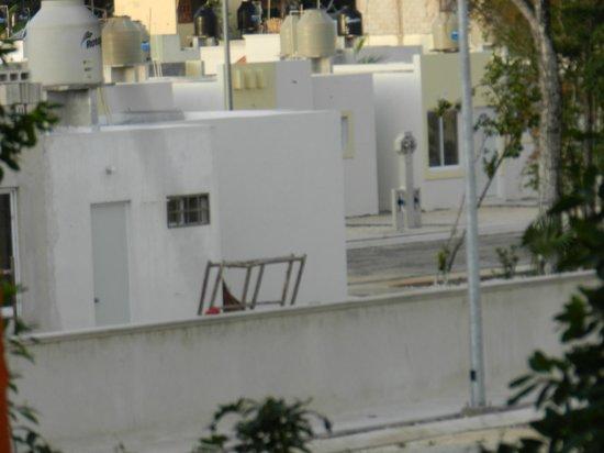Uolis Nah: Baustelle neben dem Hotel