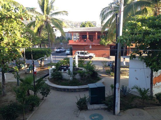 Hotel Solimar Inn Suites: Park outside our window, always different!