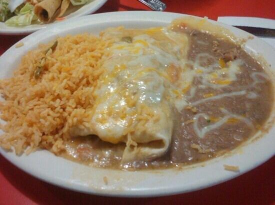 Casa Jimenez Mexican: Burrito in Salsa Verde