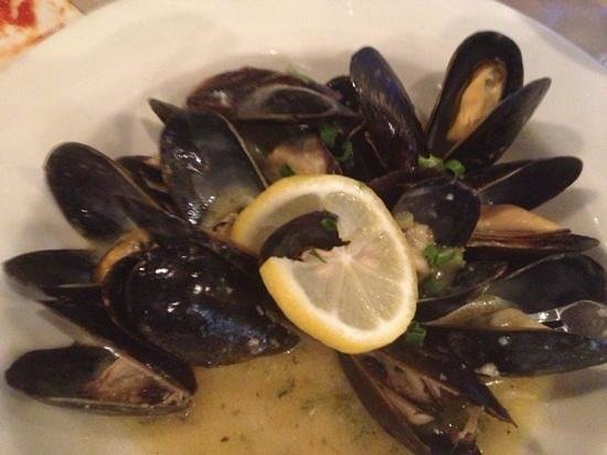 Tuscany Grill: Prince Edward Island mussels App