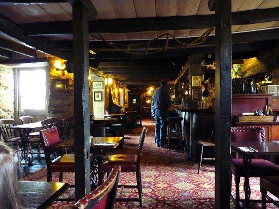 Smugglers' Den Inn: The main bar