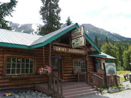 Gwin's Lodge and Restaurant