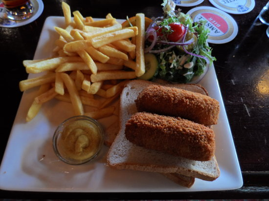 The Old Bell: Typically Dutch lunch in an Irish pub!