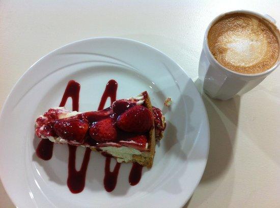 Logans Restaurant & Cafe: Best cheesecake & coffee in Northern Ireland!!