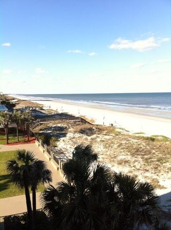 Hampton Inn Jacksonville Beach/Oceanfront: view from 4th floor looking north